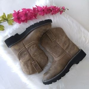 Ariat Shoes - {ARIAT} The Ariat Original Fatbaby Leather Boots